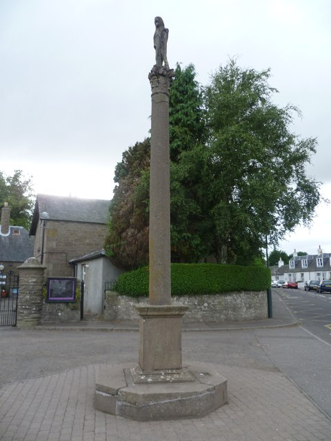 Longforgan mercat cross, Main Street