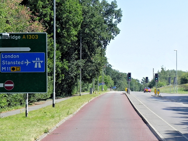 Dedicated Bus Lane, Madingley Road Approaching Cambridge