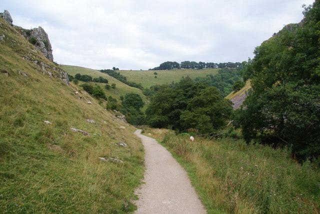 Path in Wolfscote Dale