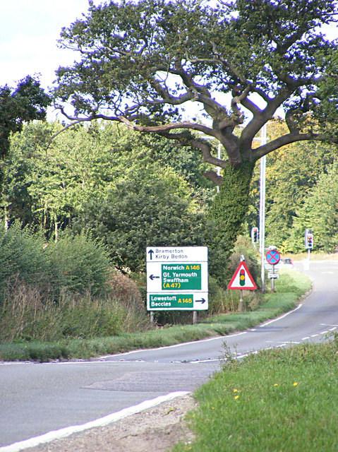 Roadsign on the B1332 Bungay Road