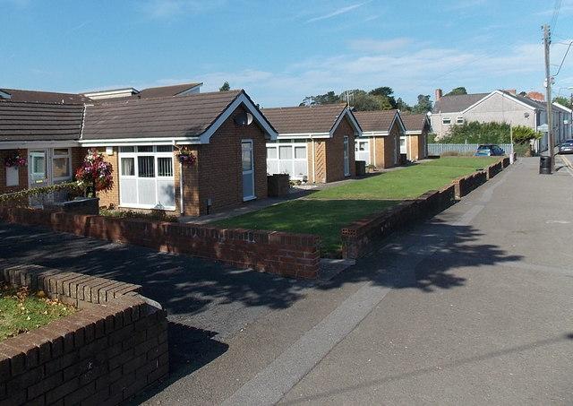 Maes Yr Efail bungalows, Kingsbridge