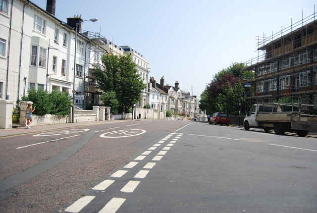 Buckingham Place / Compton Avenue