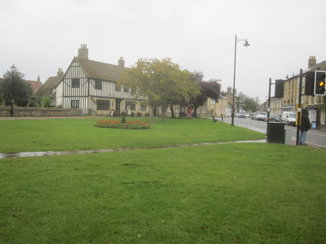 Ely - Tourist Information (Oliver Cromwell's House)