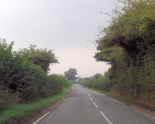 Straight road east of Binweston junction