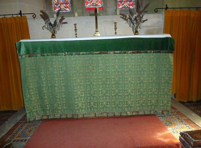 St. Mary Magdalene, North Poorton: altar