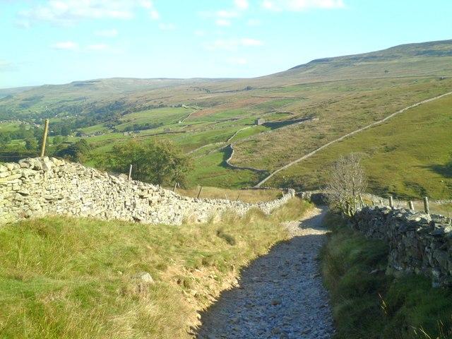 Pennine Way track into Thwaite
