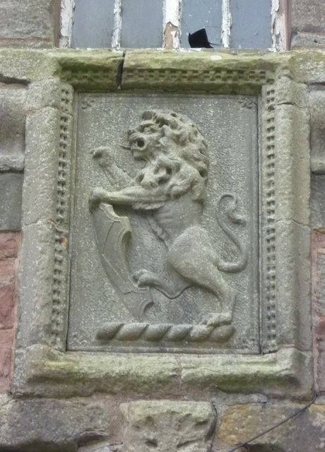 Tolbooth lion tablet, High Street