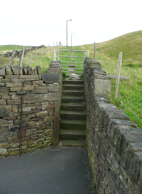 Steps at the bottom of Elland Footpath 26