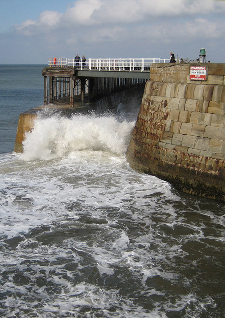 Tidal surge, Whitby