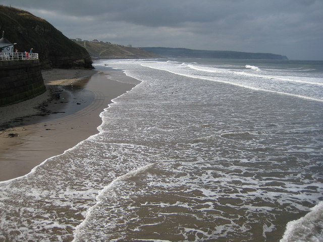 High tide, Whitby Sands