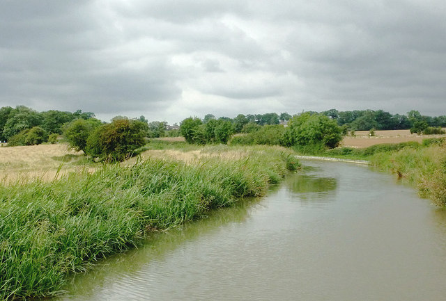 Grand Union Canal approaching Newton Harcourt, Leicestershire