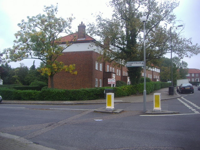 Stoneyfields Lane at the junction of Hale Lane