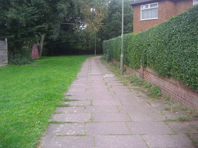Path between Brook Avenue and West Way