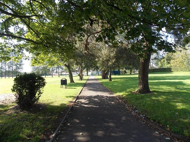 Path through Parc Y Werin in Gorseinon