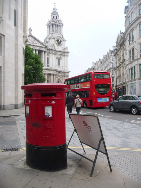 City of London: postbox № EC1 416, Ludgate Hill