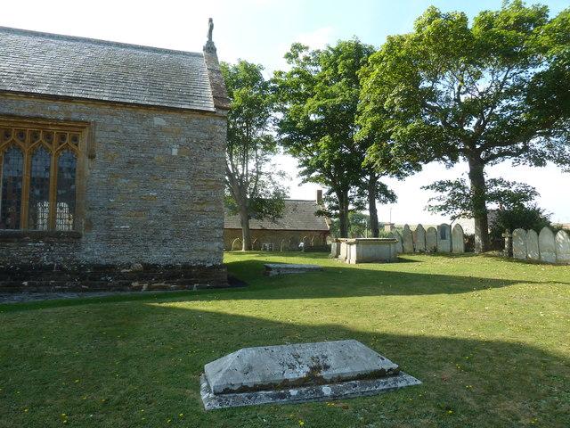 St Mary, Burton Bradstock: churchyard (i)