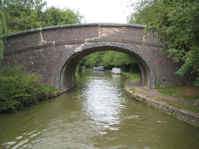 Grand Union Canal: Bridge Number 84