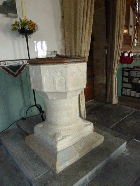 St Mary, Burton Bradstock: font