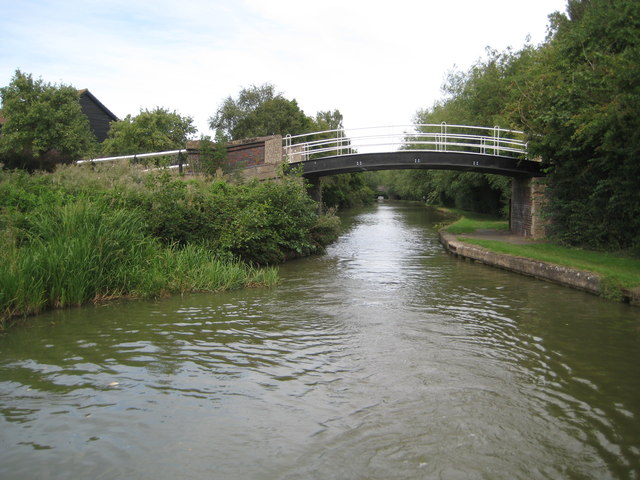 Grand Union Canal: Bridge Number 85