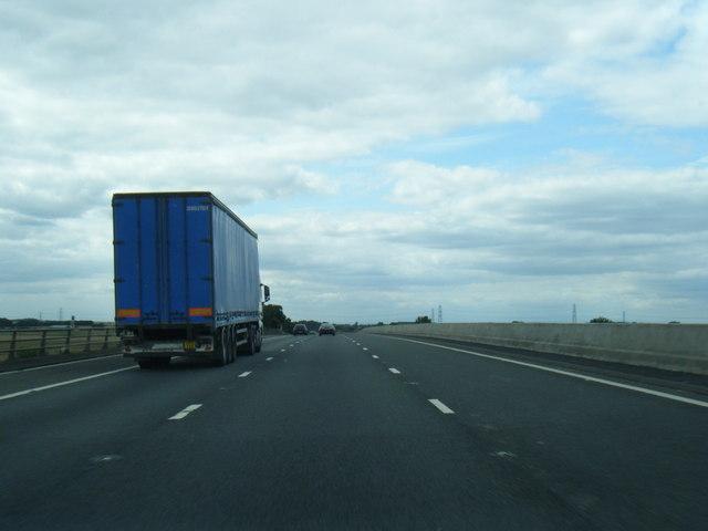 M180 westbound crossing the Trent Bridge
