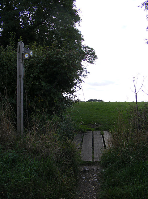 Boudica's Way footpath to Valley Farm Lane