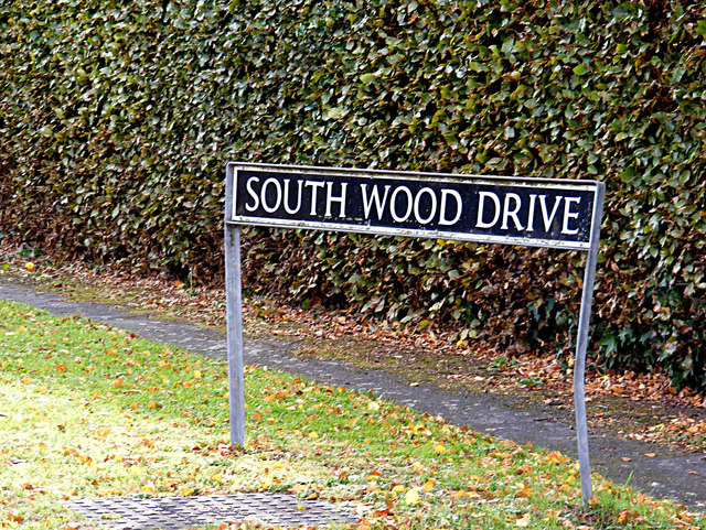 South Wood Drive sign