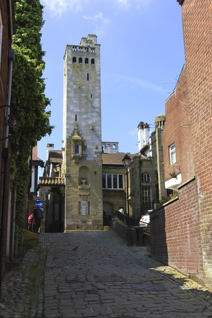 Elizabeth Gaskell Memorial Tower and Belle Epoch, Knutsford