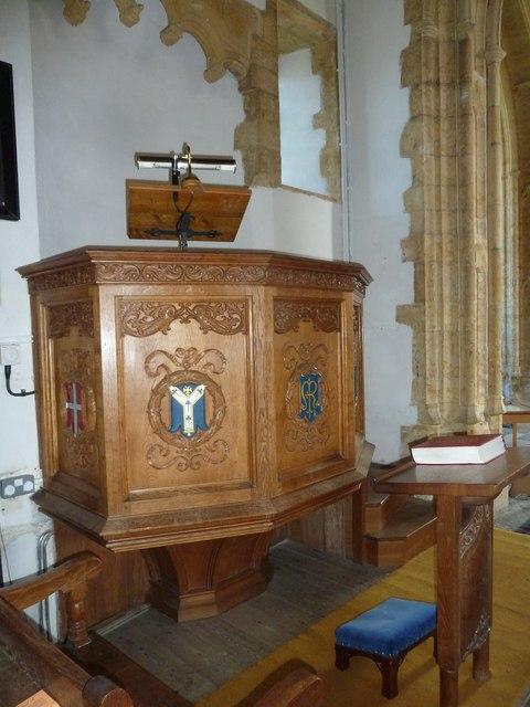 St Mary, Burton Bradstock; pulpit
