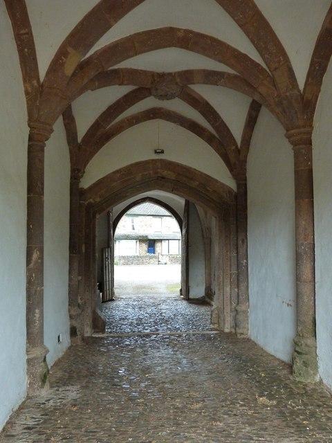 Cobbled entrance gateway to Tiverton Castle