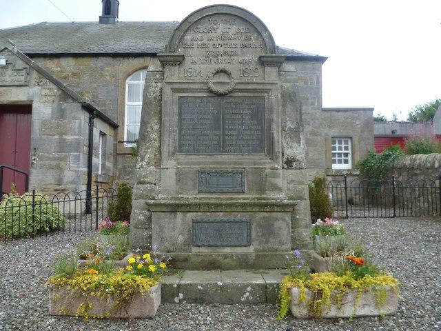Pitlessie War Memorial, Ladybank Road