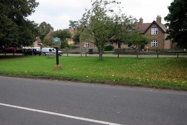 Cardington green and village sign