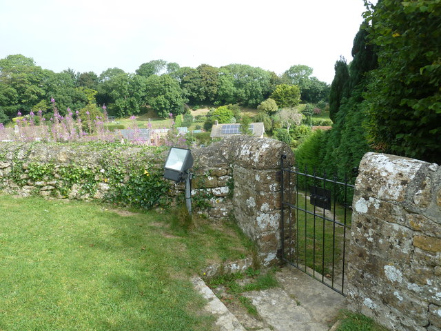 Saint Martin, Shipton Gorge: rear entrance to the churchyard