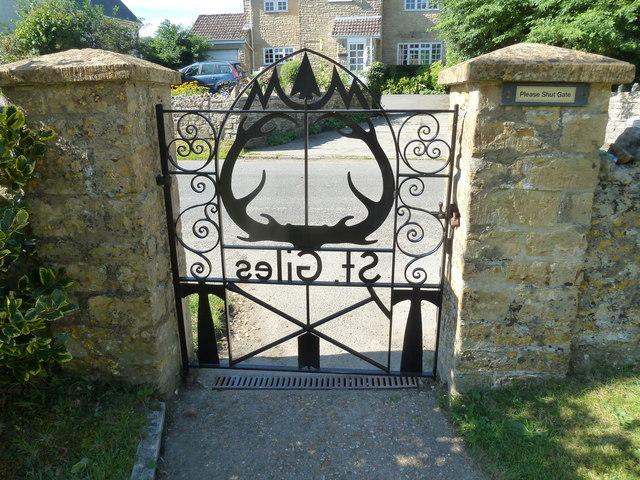 St. Giles, Hooke: Millennium Gates
