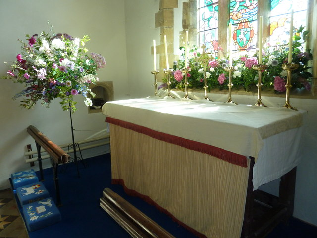 St. George, Hooke: altar