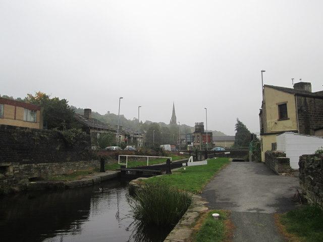 Canal at Longroyd Bridge