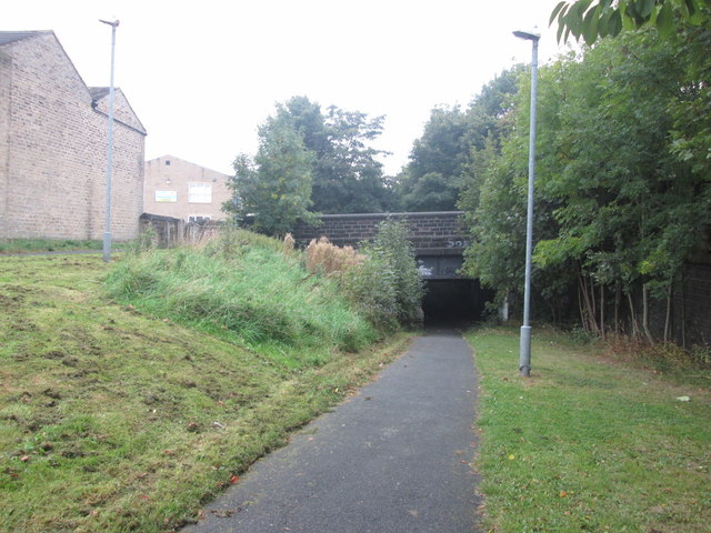 Foot/cyclepath passes under Halifax Old Road