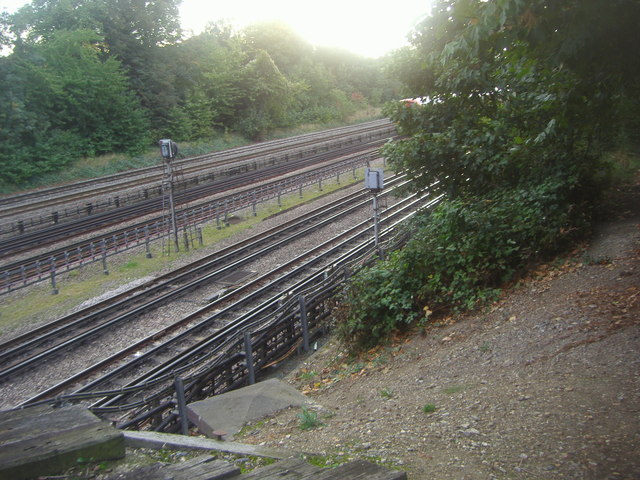 Railway lines by Mapesbury Road