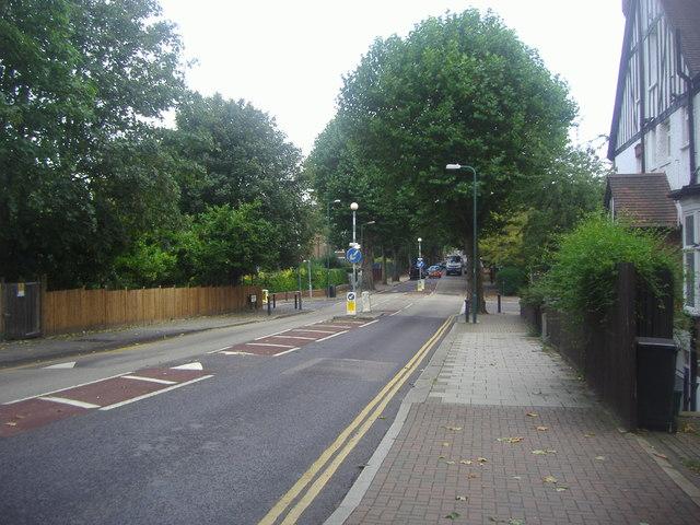Mapesbury Road, Brondesbury