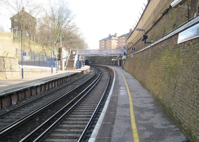 Woolwich Dockyard railway station, Greater London