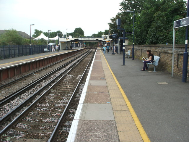 Charlton railway station, Greater London