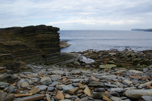 Layered rocks by the bay of Skaill
