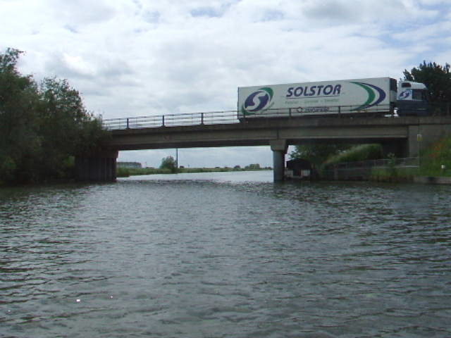 Ely High Bridge carries the A142 over the River Great Ouse