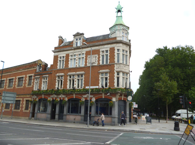 Mile End Road:  The 'White Hart'