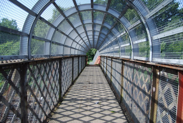 LOOP on a footbridge