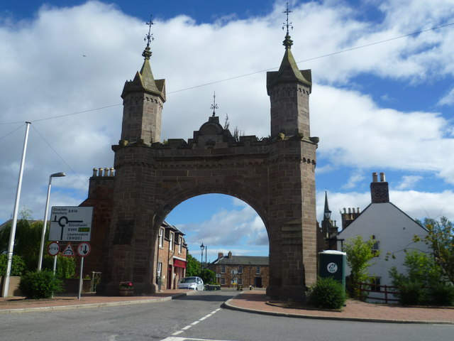 Royal Arch, Main Street