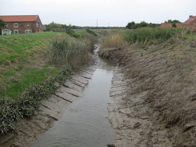 Desilting the Beck at Barrow Haven