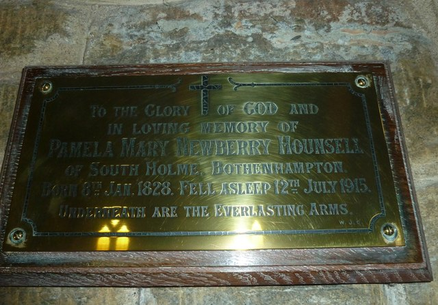 Inside Holy Trinity New Church, Bothenhampton (c)