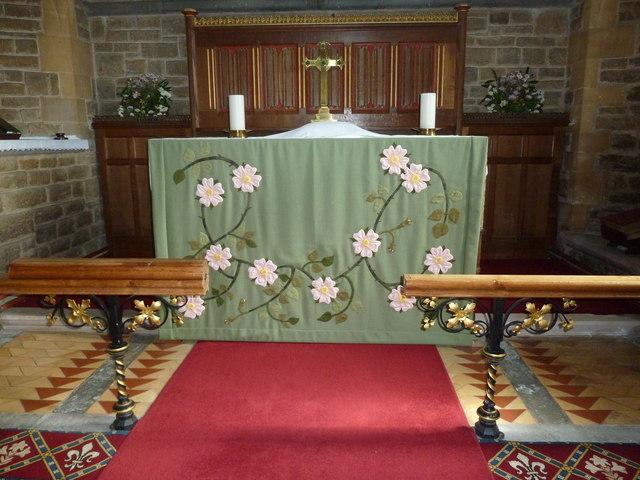 Holy Trinity New Church, Bothenhampton: altar