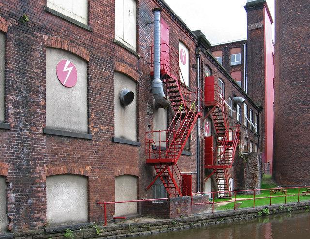 Stalybridge - Clarence Mill canalside