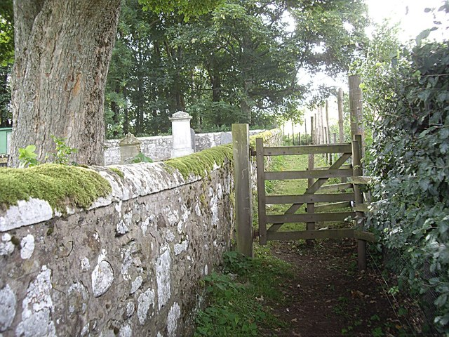 Gate on path by St Luag's cemetery